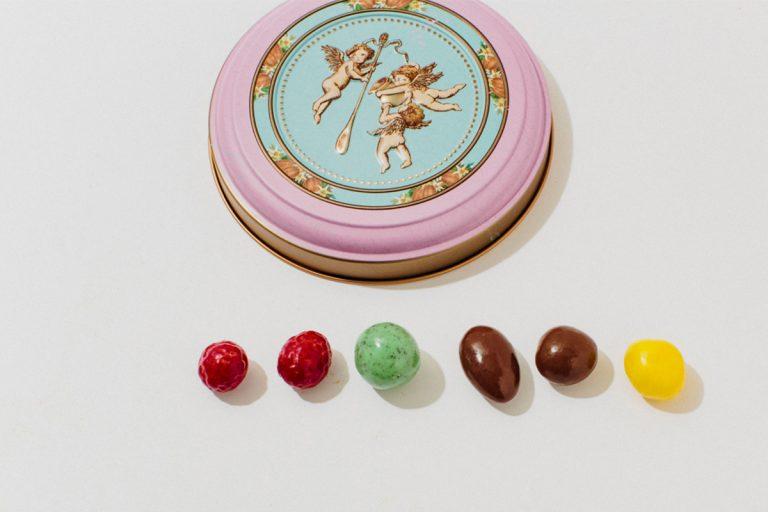 チョコレートラズベリーなど「チョコレートボール」各種100g(1,080円)(各税込)