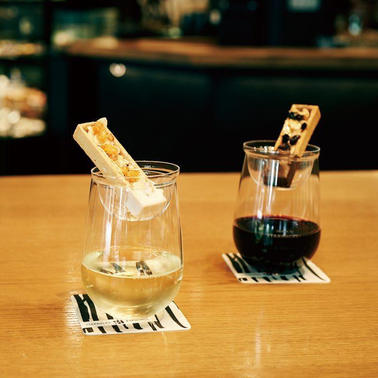 左・「カシス&ドライドオレンジ+スパークリング」1,250円、右・「カマンベール&ベリーズ+赤ワイン」1,200円