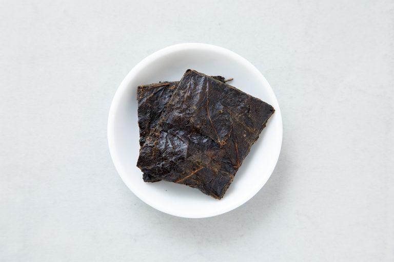 """高知県の一部でのみ製造され、""""消え行く幻のお茶""""といわれることも。40g 2,000円"""