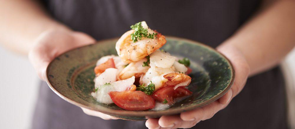 【東京べったら漬】のアレンジレシピ 「海老とトマトのべったら和え」
