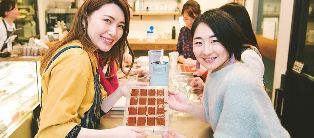 人気チョコレートショップ〈Minimal〉でビーントゥバー作りを体験!