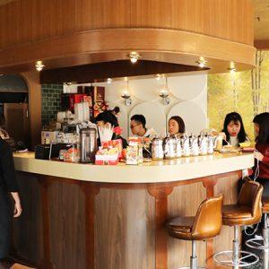 【台湾】台南で、昭和レトロな純喫茶〈KADOYA 喫茶店〉を発見。ルーツは日本で出会った純喫茶。
