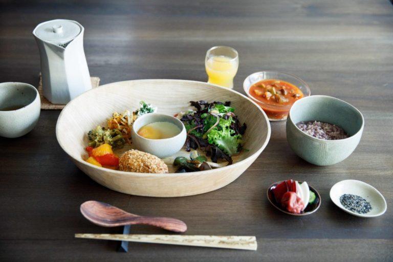 朝食はヨーガン レールの社員食堂のレシピで作られている。