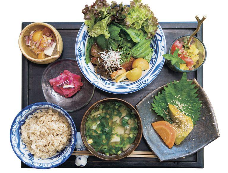 ひと皿ごとにしっかりとボリュームがあり、食べごたえも抜群!秋には冬瓜や里芋の料理が登場予定。1,100円