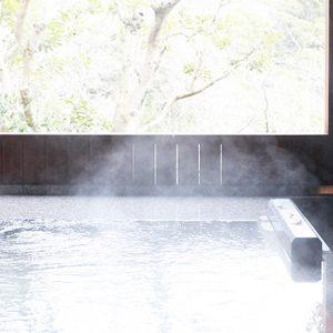 客室露天風呂でゆったりするなら、熱海の温泉旅館〈WA亭 風こみち〉へ。