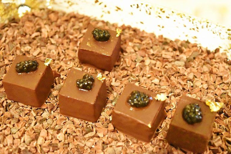「ボンボンキャビアチョコレート」。