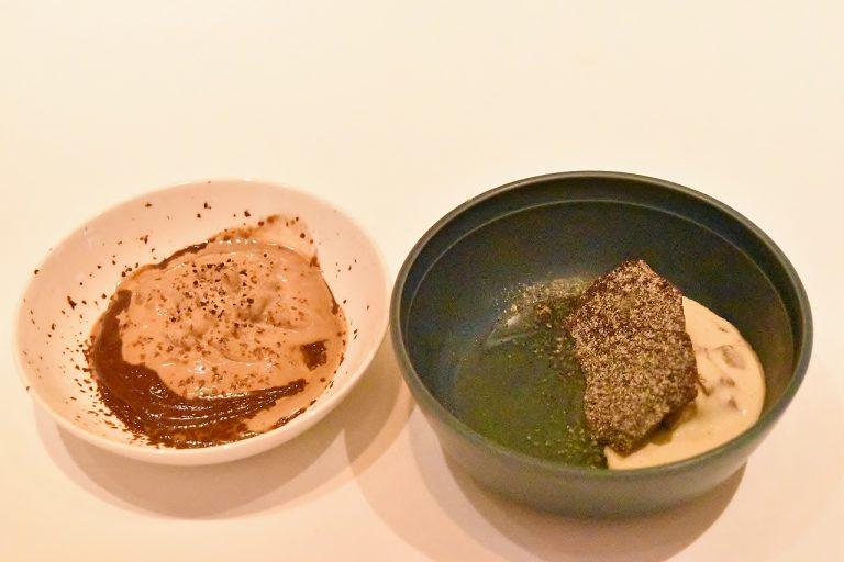 右:ショコラのデザート、左:コーヒーソルベとチョコレートメレンゲのミルフィーユ仕立て。