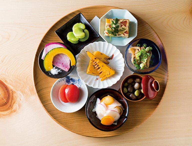 "<span class=""title"">鶏と野菜 つむぎ</span>"