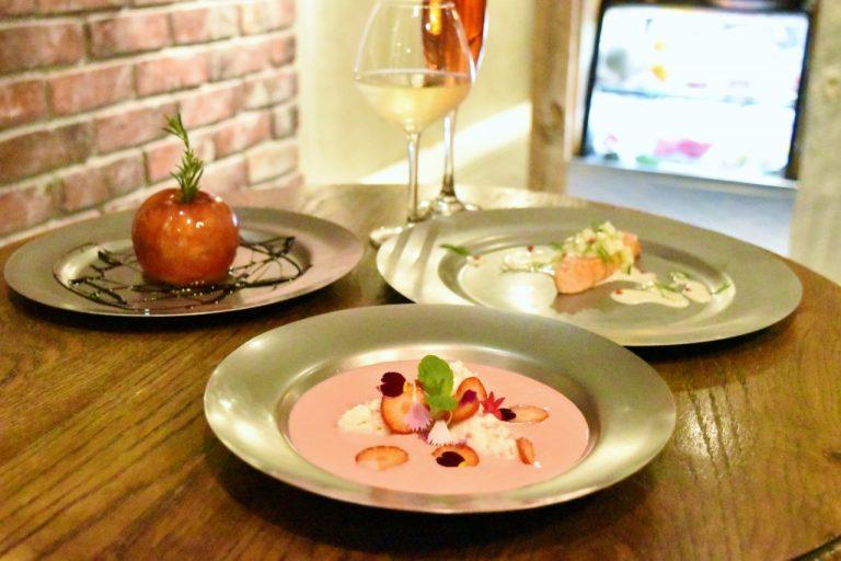 """渋谷の""""フルーツビストロ""""〈KAJITSU DE PARIS〉で旬のフルーツ料理を味わう。"""