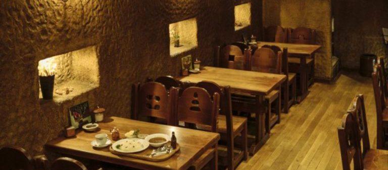 おひとりさまも過ごしやすい「地下カフェ」。お気に入りの隠れ家スポットを見つけて!