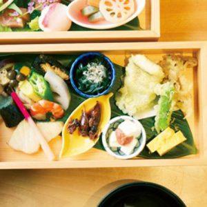 美味しいものを求めて国内旅行へ!【東日本エリア】今食べたい絶品ご当地グルメとは?