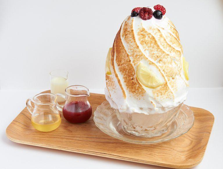 「赤いベリーとクリームチーズの焼き氷」1,480円(税込)