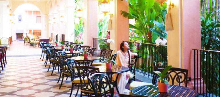 女子の憧れピンクパレス〈ロイヤル・ハワイアン〉にステイ!ハワイの自然を堪能するお散歩へ。