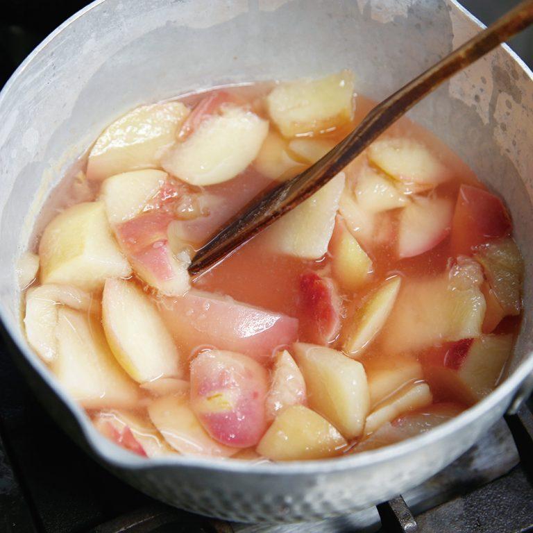 桃の香りがたまらない。