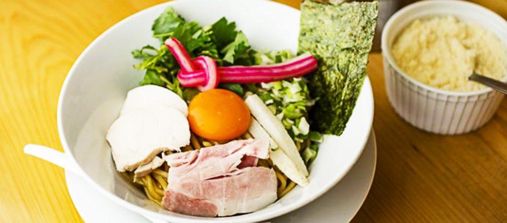 極太もちもち麺にパクチーたっぷり?東京で食べたい異色のラーメン店4軒