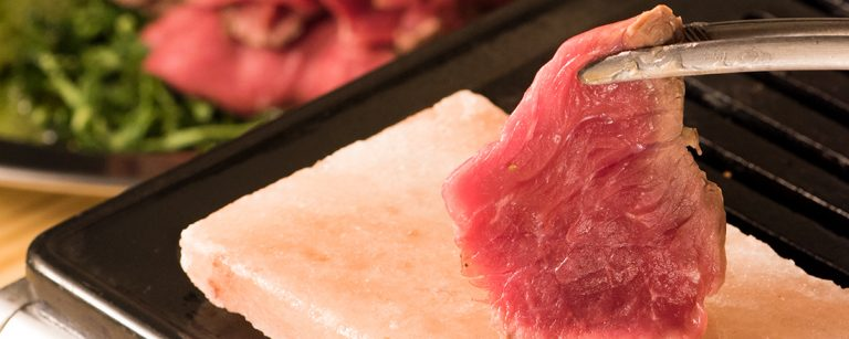東銀座・新富町のおいしい肉グルメ3選!自慢のがっつり肉料理を堪能できる。