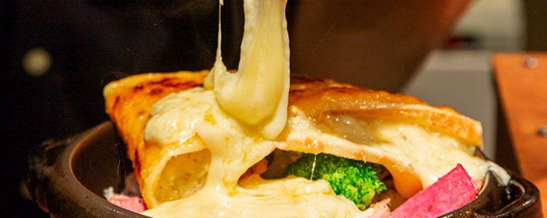 動画映え必至!やみつきチーズグルメが楽しめる都内のおいしいお店3軒。