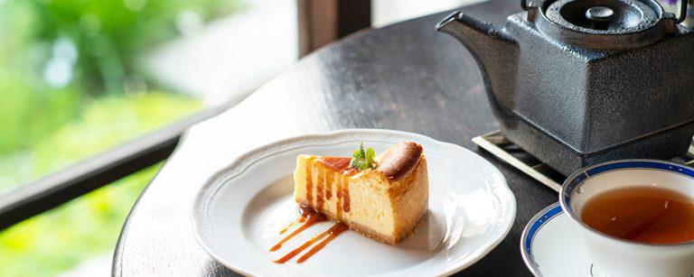 鎌倉でカフェ巡りするなら、長谷の古民家カフェ〈Chez Samantha〉へ。