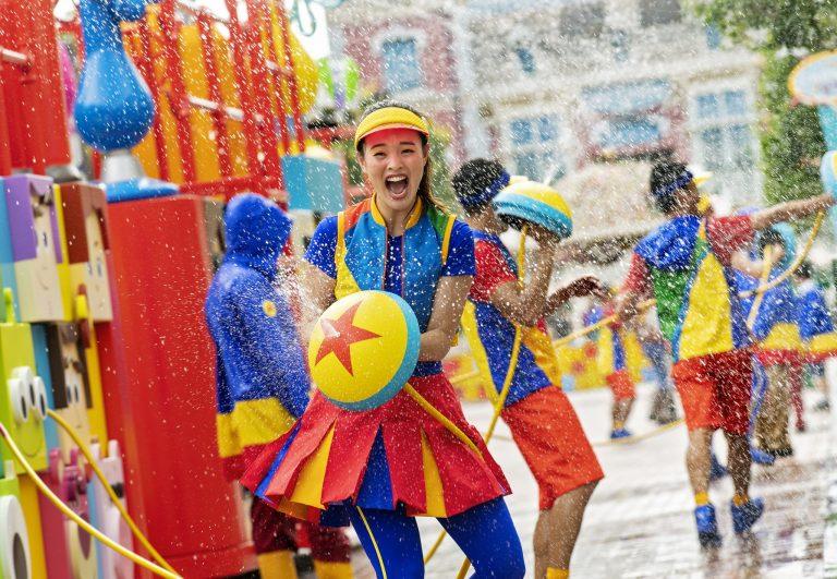 HKDL_Pixar Water Play Street Party!