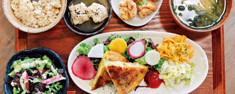 忙しいOLの週末体調管理はヘルシー定食で。食材にこだわった定食が人気の都内カフェ3軒