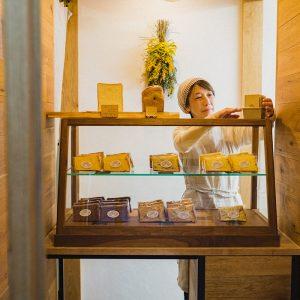 わざわざ買いに行きたいシフォンケーキ専門店3選!紅茶と合わせて手土産におすすめ!
