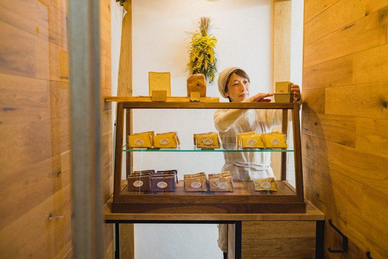 わざわざ買いに行きたいシフォンケーキ専門店3選!紅茶と合わせて手土産におすすめ。