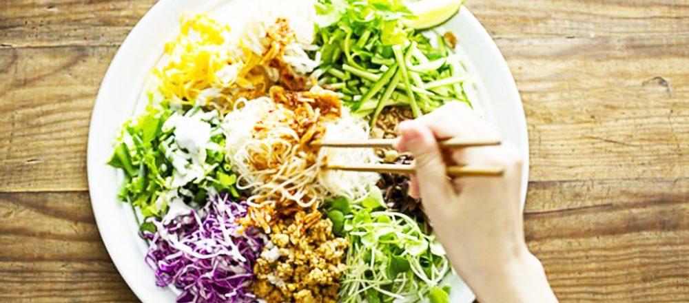 夏に食べたくなる「冷んやりヌードル」3選!お店自慢の野菜たっぷり冷やし麺をチェック!