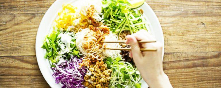夏に食べたくなる「冷んやりヌードル」3選!お店自慢の野菜たっぷり冷やし麺をチェック。