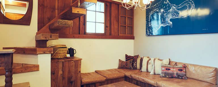 夏のグループ旅行は【葉山】一棟貸し切りのリノベ宿〈The Bath & Bed Hayama〉で決まり!