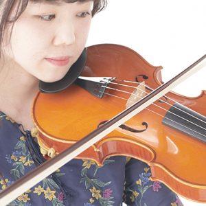 働く女子の愛用品。イタリアで製作されたヴァイオリン/音楽家・小林絵莉奈さん