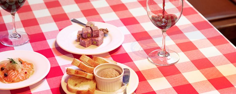 ハッピーアワー1杯500円の店も!【都内】ワイン好き必見、おいしいワインが揃うレストラン3軒