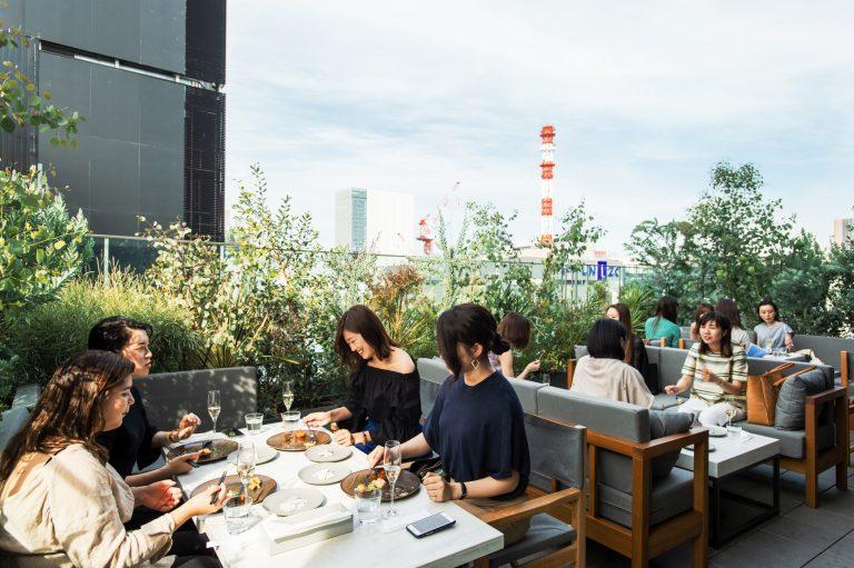 今春オープンしたばかりの注目スポット!14階テラスから銀座の眺望を楽しめるレストラン〈Opus〉が気になる。
