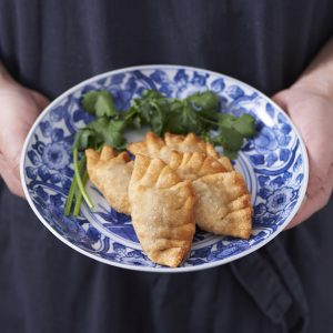 【長野・なめ茸】のアレンジレシピ 「なめ茸パクチー餃子」