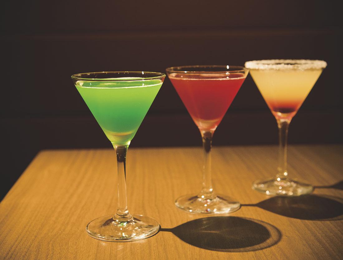 【福岡旅】女子旅で行きたいおしゃれ飲みスポット3選!ワインもスイーツも楽しめるバーも。