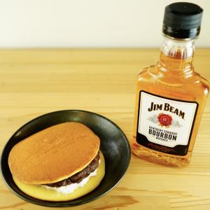 バーボンとコンビニスイーツが絶品!ウイスキーと和スイーツのペアリングをご紹介。