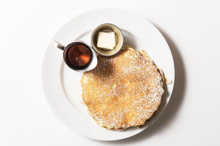 「バターミルクパンケーキ」1,280円。シンプルなおいしさ。