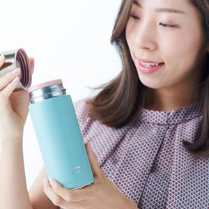 働く女子の愛用品。〈ブルーノ〉のステンレスボトル/メーカーの海外営業・山田あおいさん