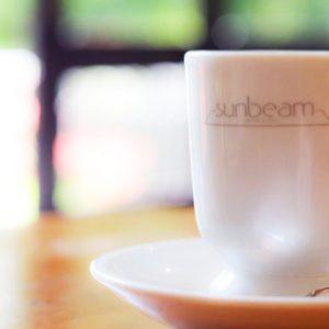 太陽光が全面から注ぐ喫茶室〈サンビーム〉で爽やかなカフェタイムを。~カフェノハナシin KYOTO vol.45〜