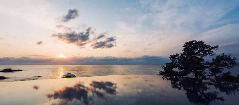 """""""インフィニティ露天風呂""""で自然を満喫。絶景温泉が自慢の全国ホテル・宿4軒"""