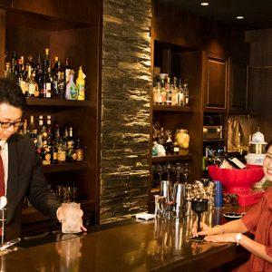 旅行者でも気軽に入れる福岡女子おすすめのバー4選!「RKB毎日放送」ラジオパーソナリティ・内村麻美さんと巡る。