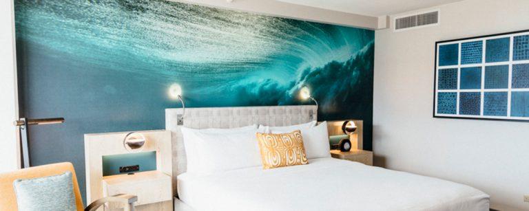 ワイキキのど真ん中!アクセス重視のハワイ旅行なら、ホテル〈Waikiki Beachcomber by Outrigger〉がおすすめ。