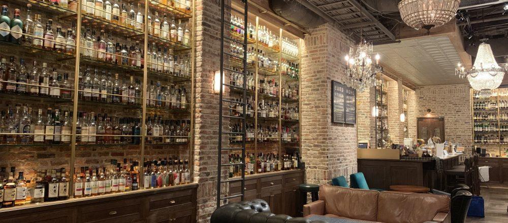 1,200種類以上のウイスキーが並ぶ大人の隠れ家〈Tokyo Whisky Library〉へ。初心者におすすめのウイスキーもご紹介!