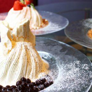 タピオカ好き必見!〈ロイヤルパークホテル〉の進化系かき氷「スノードームケーキ」を体験。