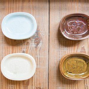 トラネコボンボン「豆皿」874円(各税込)