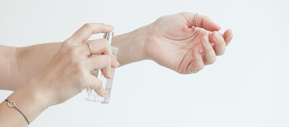 香りのプロが教える!フレグランスの基本つけ方&マナー。おすすめ香水もご紹介。