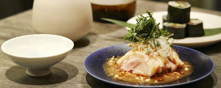 中目黒〈LDH kitchen IZAKAYA AOBADAI〉オープン。日本酒とそばでNEO角打ちを楽しむ!