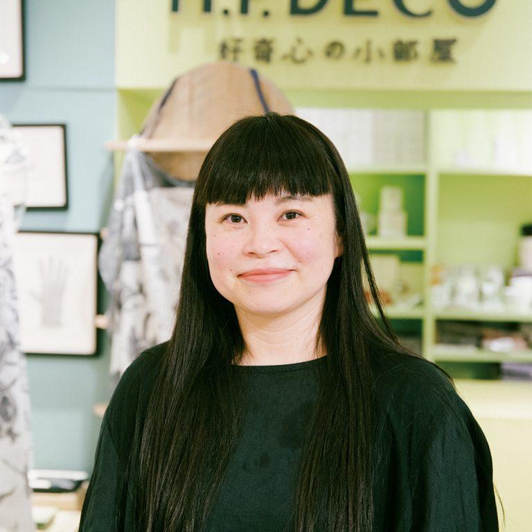 〈H.P.DECO 好奇心の小部屋 二子玉川〉店長・佐伯都志子さん