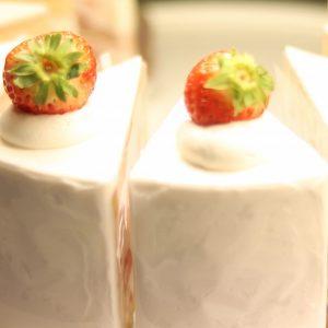 いちごを使った贅沢スイーツが並ぶ!京都の中心にあるいちごスイーツ専門店〈maison de frouge〉へ。~カフェノハナシin KYOTO vol.50〜
