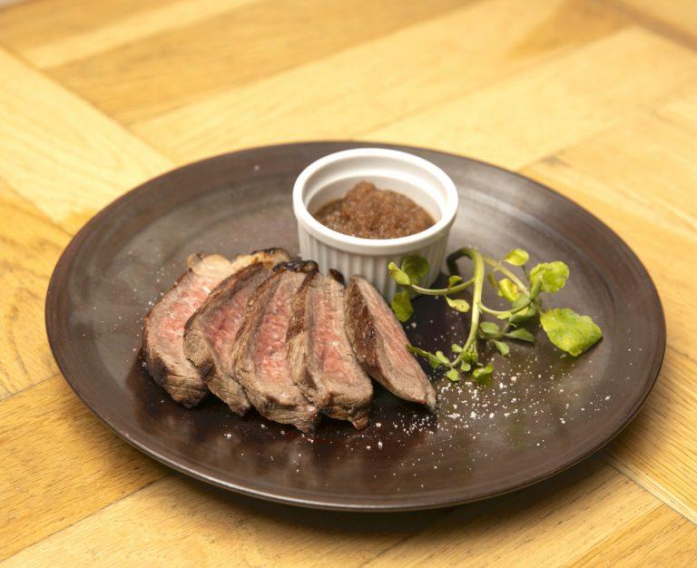 葡萄牛のランプ肉ステーキ