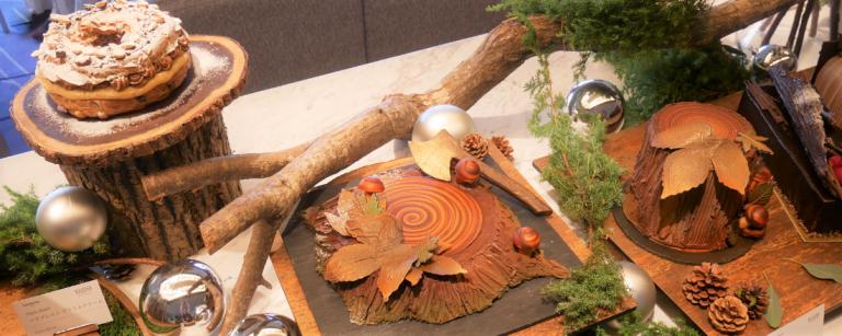 「冬の森」を表現した〈ウェスティンホテル東京〉のクリスマスケーキ2019。